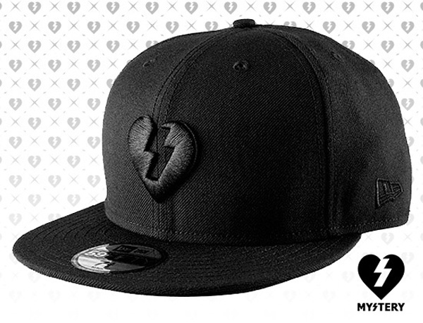 """MYSTERY x NEW ERA """"Heart"""" 59Fifty Fitted Cap a63c1d4ce55"""