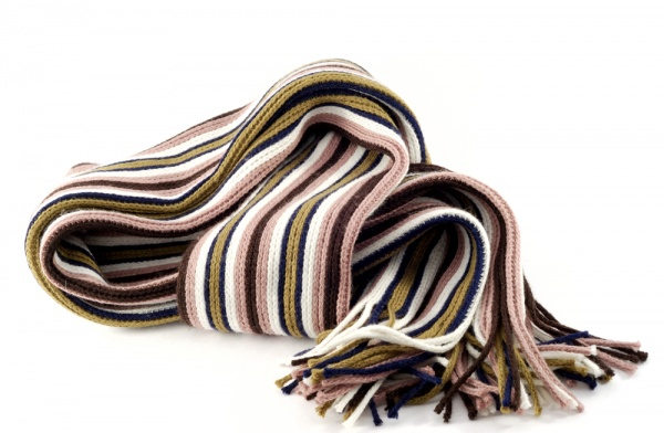 24 How to Choose a Scarf