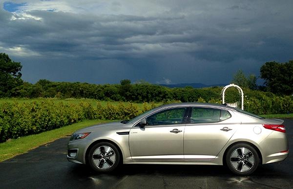 Kia Profile Review: 2013 Kia Optima Hybrid