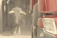 Volvo-Trucks-'The-Chase'