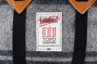 topo_designs_woolrich_klettersack_charcoal_detail
