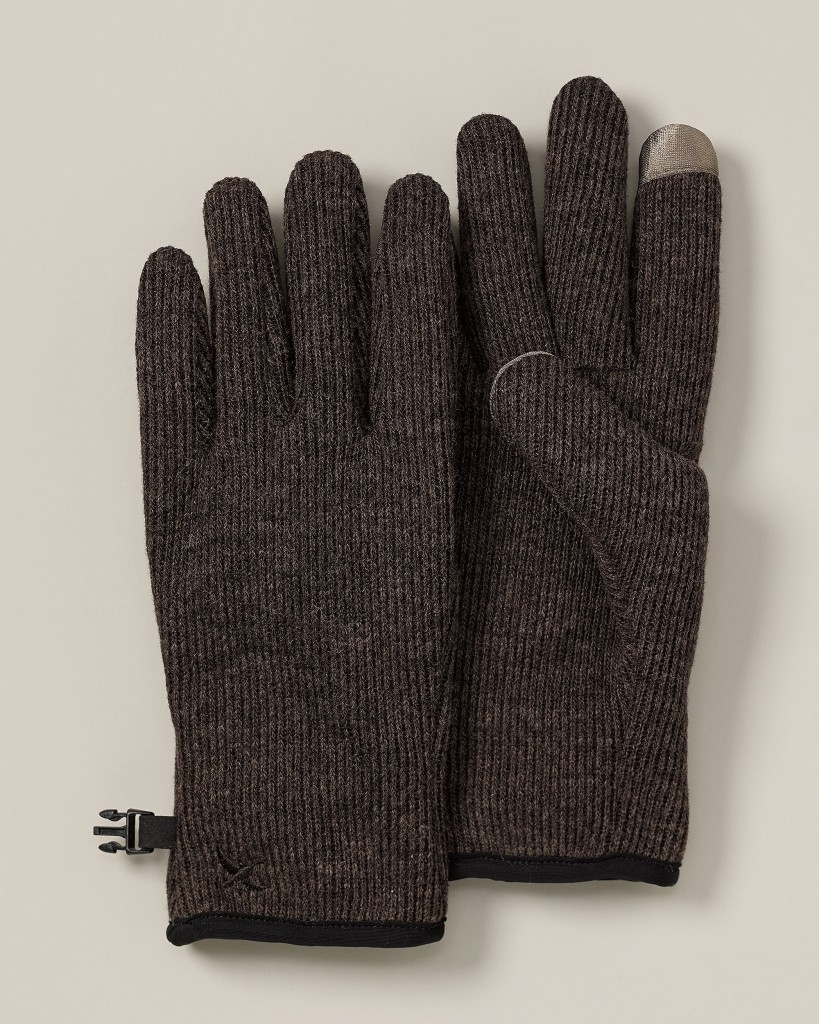 EB13ID 0143009 157C1 819x1024 The Top 10 Touchscreen Gloves You Should Be Wearing This Winter