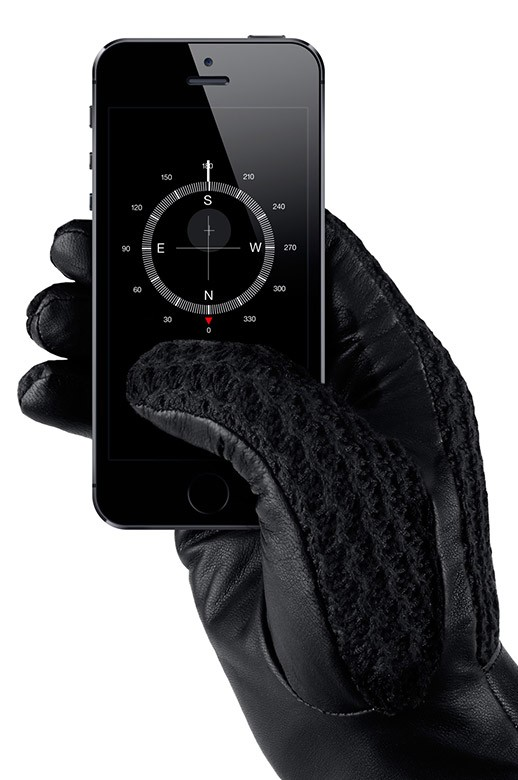 leather touchscreen gloves 002 1 The Top 10 Touchscreen Gloves You Should Be Wearing This Winter