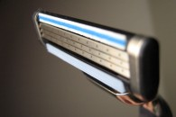 800px-Shaving-system-3blade