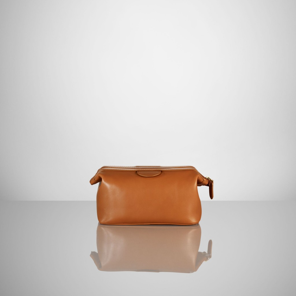 s7 1013714 alternate1 1024x1024 Hit The Road With The Perfect Dopp Kit