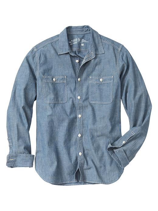 cn7848017 10 Chambray Shirts You Need To Wear This Summer